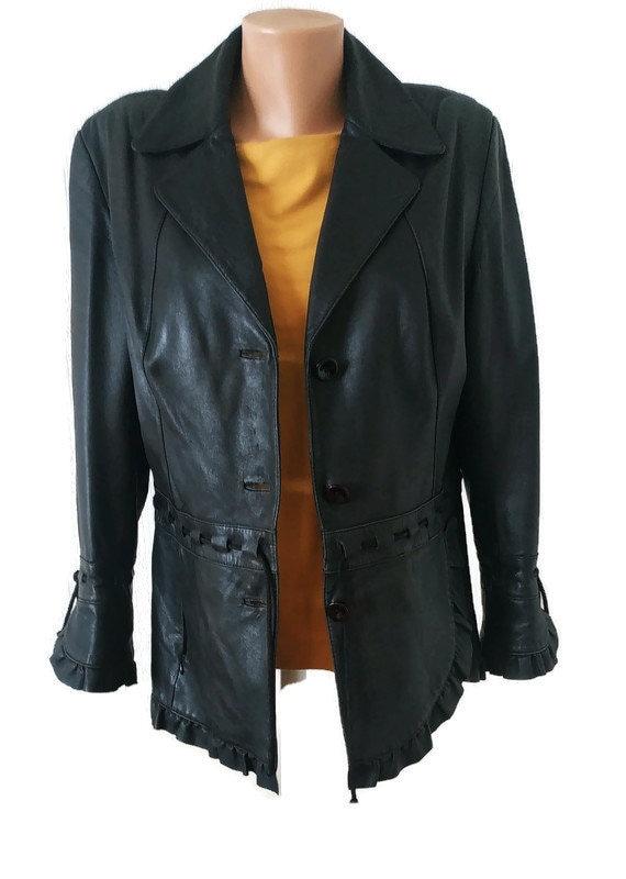 Vintage 1990s leather jacket. Women black jacket.