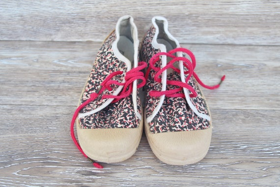 Vintage sport shoes Canvas sneakers