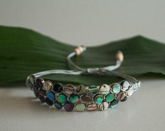 Unique 3-row NZ paua shell bracelet light grey - Christchurch series