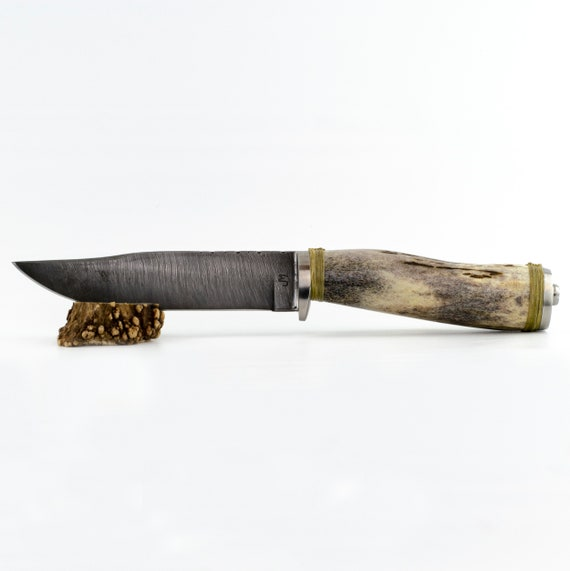 The Tumpy Cable Damascus Knife with Elk Antler Handle
