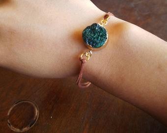 Green Druzy Pendant Bracelet - TheHiddenBin