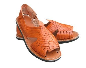 ab13a2c9a416 Mexican leather Huarache sandals. Huaraches Mexicanos.