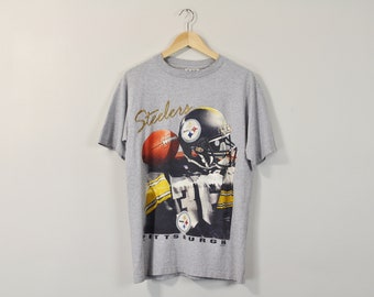 b2c11c78a646 90s Football T-Shirt, Vintage 90s T-Shirt, 90s Sports Tee, Graphic Print  Shirt, Oversized Boyfriend Tee, Gray T-Shirt, Faded Hipster Tee