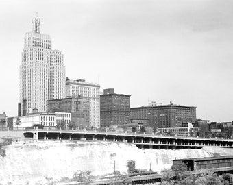 1939 St. Paul, Minnesota Vintage Photograph 8.5" x 11" Reprint