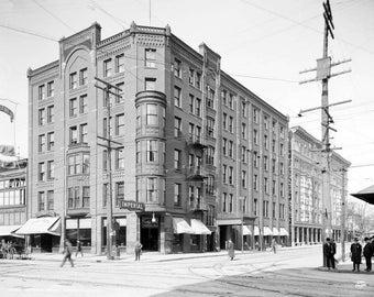 "1904 Imperial Hotel, Niagra Falls, NY Vintage Photograph 8.5"" x 11"" Reprint"