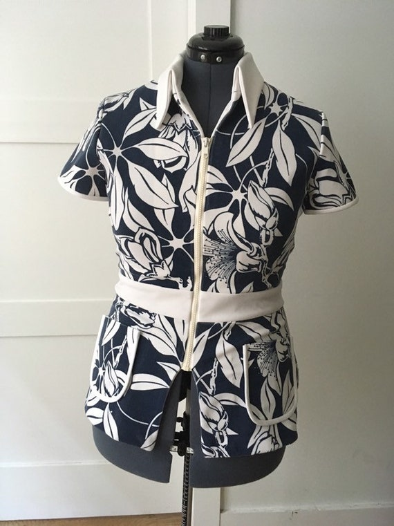 Disco 1970s Alfred Shaheen navy and white tropical
