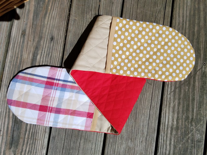 Double oven mitts, pot holders, two handed, one piece casserole holders,  hot pads, plaid, polka dots, foodie or chef