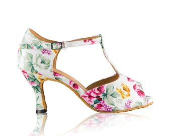 95f42cc5543 Floral bridal shoes