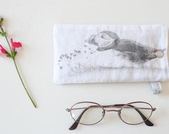 This sunglasses case padded - design bird Puffin - 17 x 9 cm
