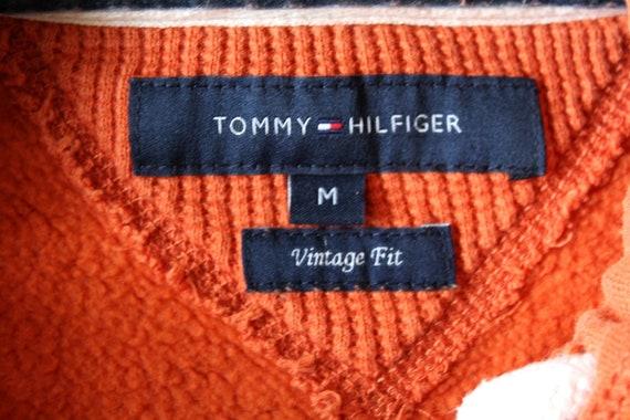 Vintage Tommy Hilfiger Sweatshirt V Neck Tommy Hilfiger pull femme Hilfiger chemise rouge à manches longues Hilfiger tennis tenue taille L