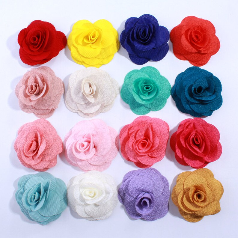 50pcs 5.5cm Mini Hollow Out Flowers With Pearl Fabric Flowers