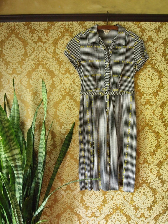 Vintage 1950s Embroidered Cotton Gingham Dress
