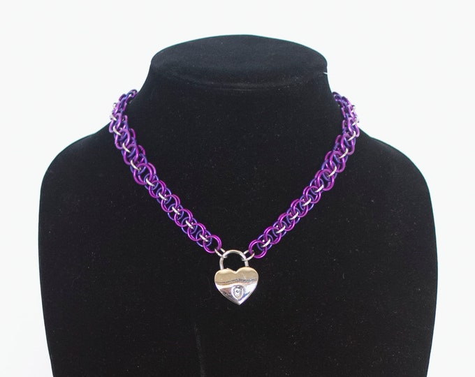 Helm Weave Choker- Locking Heart Lock Closure