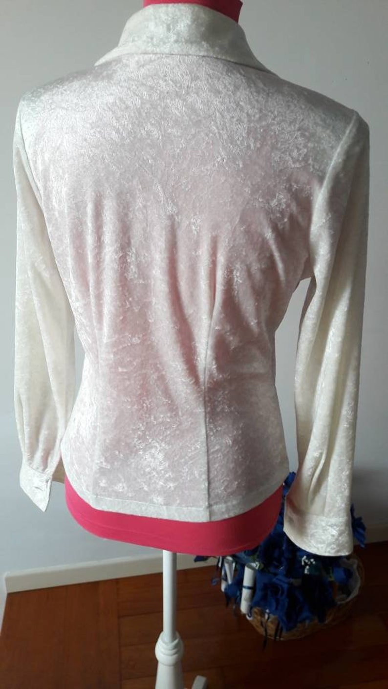 Made in Italy 90s velvety ice white vintage silky shirt with large front lace border hippie boho chic outfit with romantic touch mint