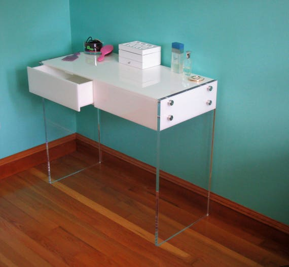 Exceptionnel New Acrylic  Lucite Vanity Table