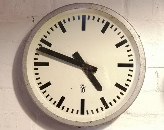 1960's East German Clock By GW ( Geratewerk Liepzig )
