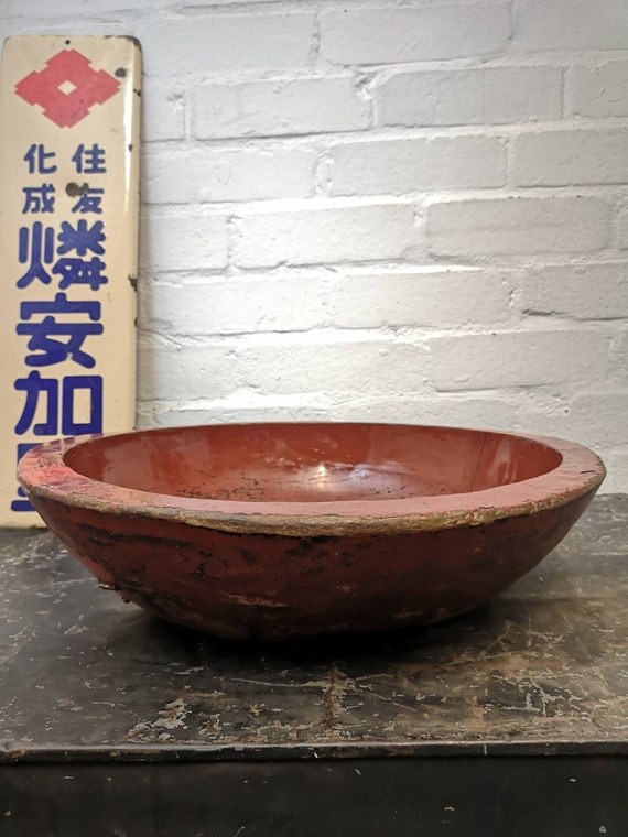 Early 1900s Large Traditional Hand Made Red Lacquered Japanese Bowl