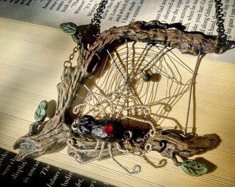 Spider Necklace, Spider Web Necklace, Spider Jewelry, Spider Pendant, Halloween Spider, Halloween Necklace, Halloween Jewelry, Wire Wrapped