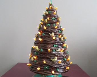 Twisted Christmas tree with little yellow birds