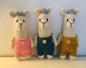 Crocheted alpaca/llama made of 100% cotton