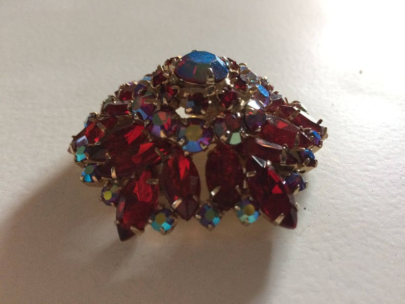 Aurora Borealis Gold Tone Domed Pin Domed /& Layered Red Rhinestone Brooch Red AB Crystals Vintage Brooch