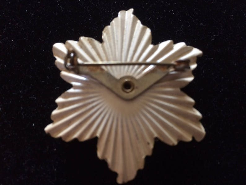 Layered Floral Pin Vintage Cream Textured Metal /& Lemon Rhinestone Flower Brooch Figural Rhinestone Brooch