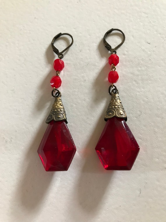 A pair of pretty authentic red czech glass leaf bead dangly leverback hook earrings.