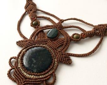 Macrame necklace wt Green Jade