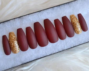 The Perfect Matte Red And Gold Press On Nails