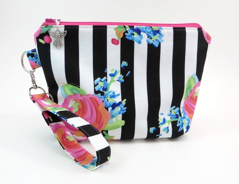 3b5cbfb9dab0 Black and White Project Bag - Large Makeup Bag - Sock Knitting Bag - Yarn  Tote - Cute Makeup Bag - Knitting Organizer - Zipper Bag - Key Fob