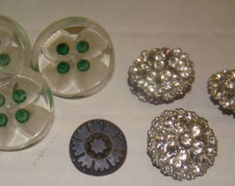 LAST CHANCE SALE Mixed Lot of Vintage Sewing Buttons
