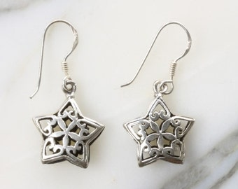 Star-shaped filigree floral design silver earrings (R28)