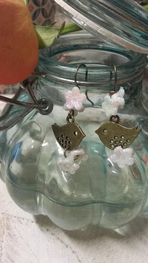 Bronze bird, double Pearl Flower Earrings