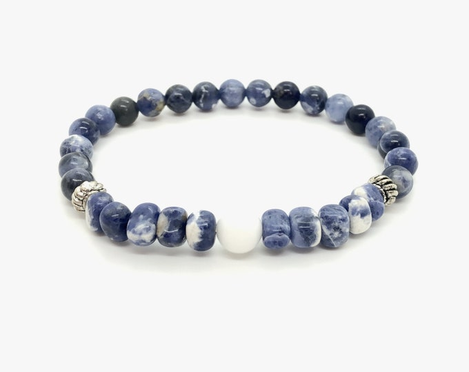 JEANS bracelet / semiprecious/sodalite stones and white agate/boho chic casual and elegant