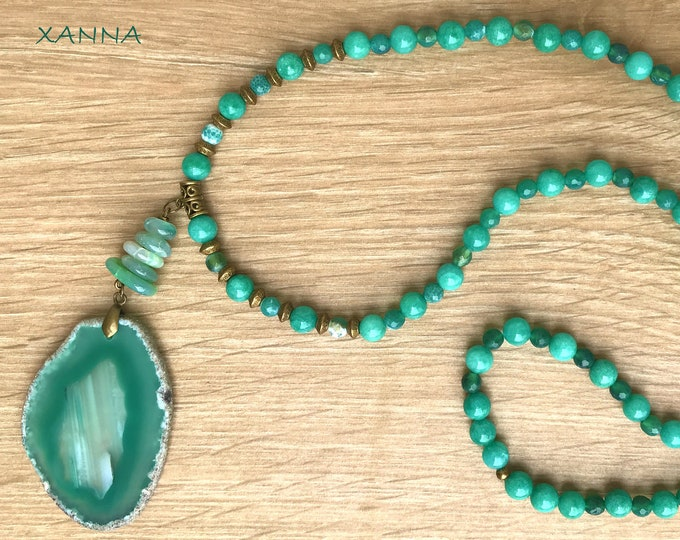 Semi-precious LEAF/piedras necklace/Agate Green shades/green agate pendant/boho chic, elegant and casual