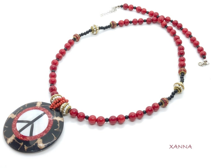 Chic & LOVE Necklace (XV) semi-precious/piedras/white and red coral and onyx/peace symbol pendant/Boho chic inormal and elegant