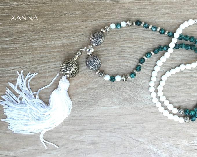 PRAIRIE/piedras semi-precious necklace/green Kiwi jasper and white agate/white tassel/elegant casual chic Boho
