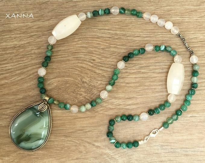 Semi-precious/piedras SIENA necklace/White-green agate/Elegant Casual chic agate pendant/Boho