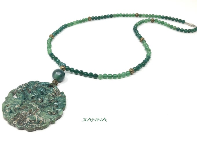 MAYLIN IX necklace /semiprecious stones/green agate/green jade/boho chic oriental medallion, elegant and casual