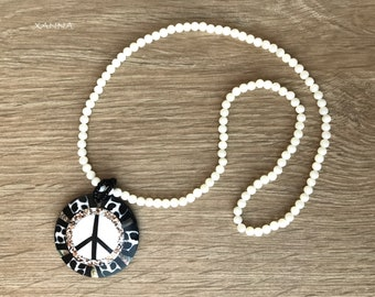 Trendy Necklace Chic & LOVE (VI)/Mother of pearl/peace symbol pendant pearl/boho chic