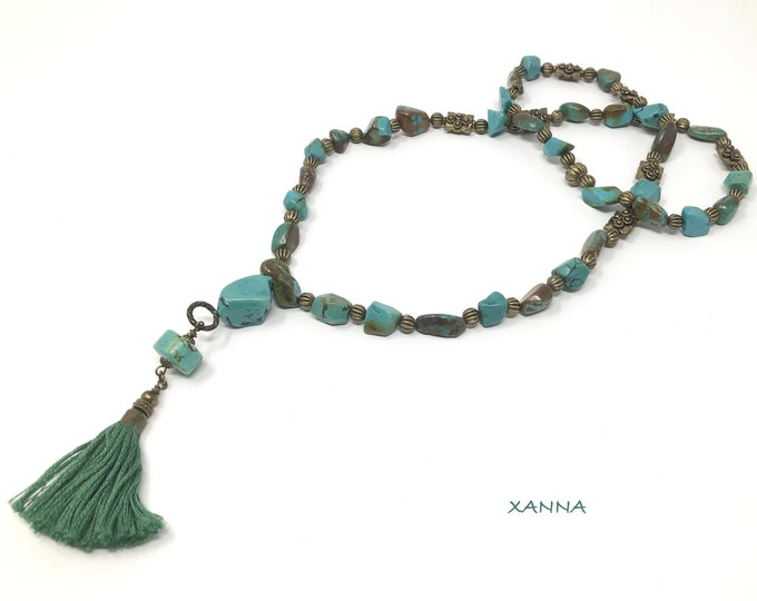 FORMENTERA/piedras semi-precious necklace/natural turquoise/Decorative tassel green/elegant Boho chic casual