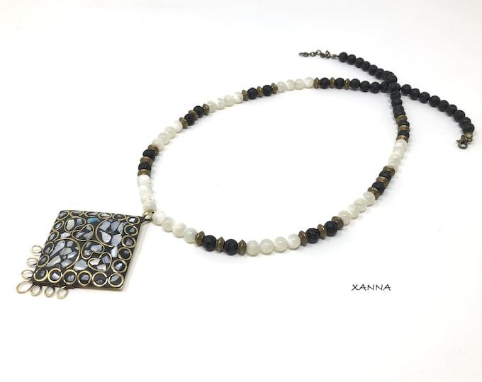 Chic & LOVE Necklace (XXV) semi-precious/piedras/lava and nacre/metal pendant with inlaid nacre/Boho chic Elegant Casual