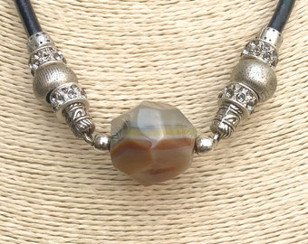 Chic & LOVE Choker necklace (II)/cuero and gold and silver beads/pendant copper peace symbol/casual and elegant/style Boho chic