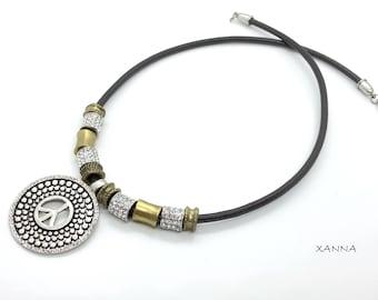CHIC & LOVE Choker necklace (XX)