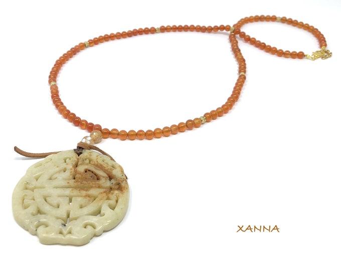 MAYLIN VI necklace /semi-precious/cornaline stones and agate/oriental jade beige-orange/boho chic medallion, elegant and casual