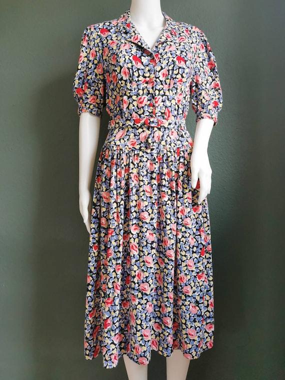 80s does 40s dress / 1980s Dress / Floral Print Dr