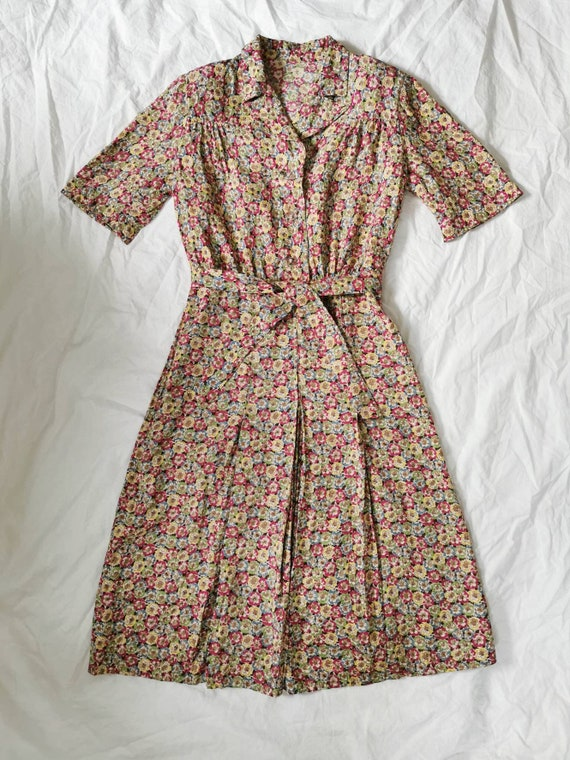 1940s Dress / 40s Day Dress /  40s Floral Dress /… - image 3
