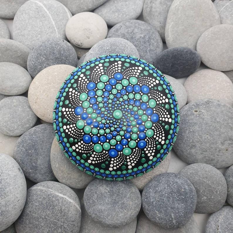 Dot Art Mandala Stone image 0