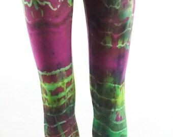 Fractal effect XSmall capri length leggings .  LGCXS1350