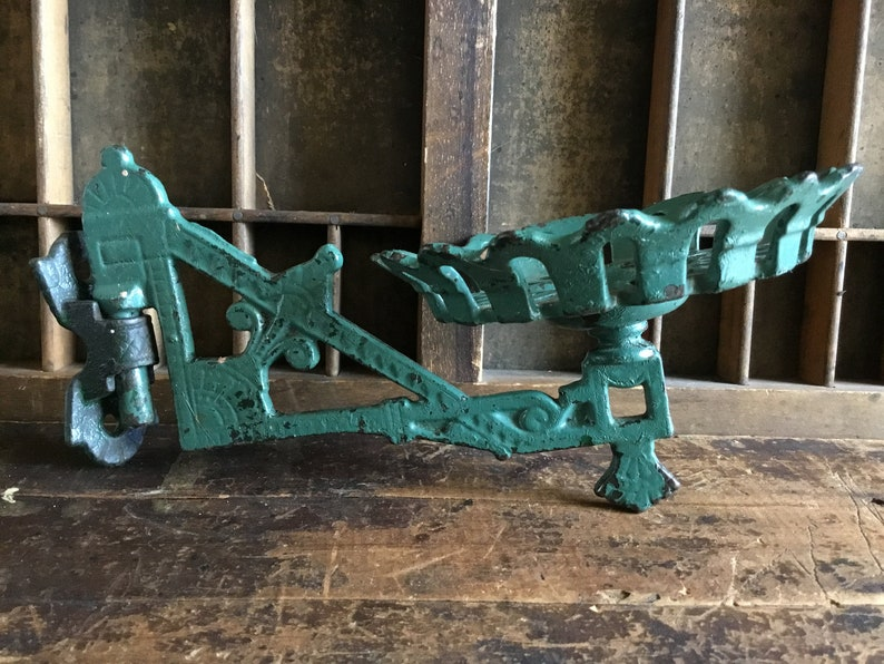 set of 2 antique style Cast Iron Decorative Shelf Brackets #22